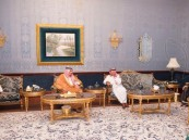 خادم الحرمين الشريفين يزور أخاه سمو الأمير مقرن بن عبدالعزيز