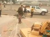 بالفيديو… شباب المقاومة في عدن يتسلّمون جهازاً للتواصل مع عاصفة الحزم