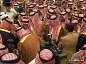 بالصور … الأمير مقرن بن عبدالعزيز يبايع ولي العهد وولي ولي العهد