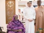 """بالصور… جدة أوباما تذرف الدموع بعد أدائها العمرة و زيارة معرض """"السلام عليك أيها النبي"""""""