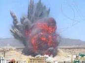 """بالفيديو.. أعنف ضربة جوية توجهها """"عاصفة الحزم"""" إلى مخازن أسلحة تابعة للحوثيين"""