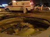 """مصرع وإصابة 4 أفراد في انهيار أرضي بجسر """"سيهات النابية"""""""