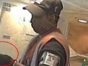 بالفيديو… كاميرات المراقبة تصوّر عمال مطار ميامي يسرقون حقائب المسافرين