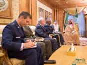 """بالصور.. محمد بن سلمان يبحث مع قائد القيادة المركزية الأمريكية تعاون أمريكا مع """"عاصفة الحزم"""""""