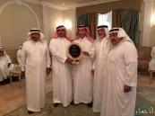 """بالصور… رجل الأعمال فهد """"السعدون"""" يقيم حفل تكريم لـ""""القرينيس"""" بمناسبة تقاعده"""
