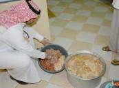 بالصور.. حملات مفاجئة تنجح في مُصادرة 275 كلغ أغذية فاسدة وإغلاق 3 محال بالهفوف