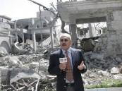 """المخلوع """"صالح"""" يدلي بتصريح من أمام منزله: أنا لازلت حياً"""