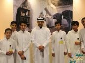 """طلاب """"حذيفة بن اليمان"""" المتوسطة  في زيارة لمكتبة جامعة الملك فيصل"""