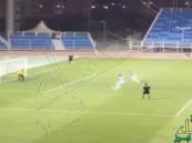 بالفيديو… لاعبان في دوري البحرين ينفذان أغرب ركلة جزاء بالعالم