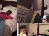 عربية تنشر سيلفي مع مخمور تسلل إلى سريرها.. وتؤكد: لص فاشل