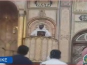 شاهد.. في أجمل مساجد المملكة.. المصلين يؤدون صلاة الجمعة رغمًا عن الإمام