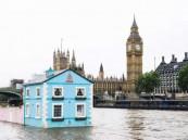 """بالصور… """"ايربنب"""" منازل عائمة فوق سطح الماء"""