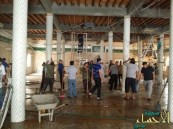 """بالصور .. أهالي """"القديح"""" يعاودون الصلاة في مسجد الإمام علي"""
