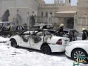 بالفيديو … شاهد اللحظات الأولى عقب تفجير الانتحاري لنفسه أمام مسجد العنود