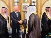 نيابة عن الملك.. ولي العهد يقيم مأدبة عشاء تكريماً لرئيس الوزراء اللبناني