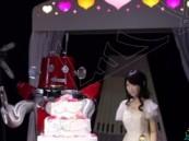 """بالفيديو… أول حفل زواج لـ """"إنسان آلي"""" شاركت فيه حشود من المواطنين في اليابان"""