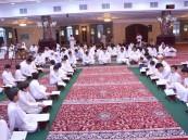 """بالصور… """"المجالس القرآنية"""" تجذب شباب الأحساء إحياءً لشعائر الشهر الفضيل"""