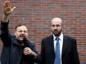 """بالفيديو.. لحظات إطلاق السلطات الألمانية سراح مذيع """"الجزيرة"""" #أحمد_منصور"""