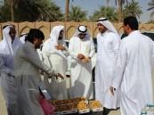 أعضاء بلدي #الأحساء يتفقدون سوق الرطب مع بداية تباشير نخيل الأحساء