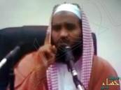 """بالفيديو.. داعية سعودي يفتي باستحباب تنبيه السائقين بوجود """"ساهر"""""""