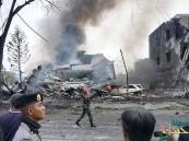 بالصور.. مقتل 30 على الأقل في تحطم طائرة عسكرية اندونيسية