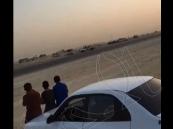 """بالفيديو… اصطدام """"مفحطين"""" في #الأحساء.. و مطالبات بمواجهتم"""