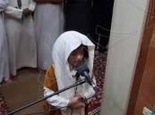 بالفيديو..طفل أردني يؤم المصلين بصلاة التراويح ويبهرهم بصوته العذب