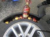 بالصور.. جمرك جسر الملك فهد يحبط تهريب 380 زجاجة خمر