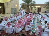 """بالصور … جامع """"المقهوي"""" يقيم حفل إفطاره السنوي للحي"""