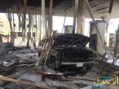 بالصور… هارب من تسديد قيمة الوقود يشعل حريقاً في محطة ويحرق سيارتين