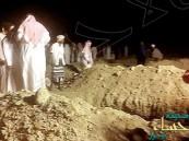 مواطن يتبرع بأرض لتكون مقبرة.. فيكون أول من يدفن فيها