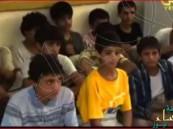 """شاهد.. ميليشيا """"الحوثي"""" تسوق أطفال اليمن إلى الموت بحجة قتال """"الدواعش"""""""