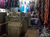"""بالصور… نرصد لكم """"كبائن"""" الموت في أسواق #الأحساء.. فأين المسؤول؟!"""