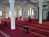 """بالصور.. بعد معاناة 9 أشهر… """"الهاشم"""" يتكفل بأحد المساجد و تشغيله خلال أسبوع"""