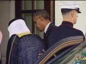بالصور.. كيف كسر أوباما البروتوكول خلال استقبال #الملك_سلمان
