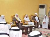 """بالصور.. الأمير سعود بن نايف يقدم واجب العزاء في وفاة شهيد الواجب """"الحبيب"""""""