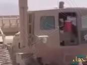 بالفيديو.. لحظة استخراج ألغام إيرانية الصنع من محيط سد مأرب