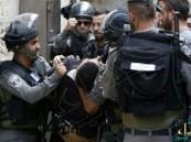 مواجهات عنيفة بين شرطة الاحتلال والفلسطينيين في باحة المسجد الأقصى