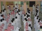"""بالصور.. بالغنيم يُكرم قادة مدرستي """"الهفوف""""و """"سعد بن عبادة"""" الثانوية"""