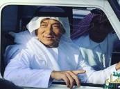 بالصور.. جاكي شان بإطلالة إماراتية لتصوير فيلمه الجديد في دبي