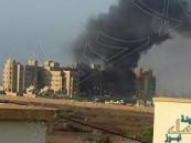 """اليمن: تعرض الفندق الذي يسكنه """"بحاح"""" في عدن لقذائف صاروخية"""