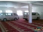 """بالصور.. """"مساجد صنعاء"""".. مواقف سيارات للحوثيين بعد طرد المصلين منها !!"""