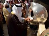 بالصور.. أمير مكة وممثلو الدول الإسلامية يشاركون في غسل الكعبة المشرفة