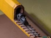 بالصور.. قطار يخرج من قلم رصاص !!