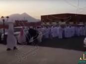 بالفيديو.. حفل زفاف سعودي يتحول لمعركة بين العريس وأحد المدعوين