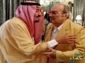 بالصور.. خادم الحرمين يزور الأمير طلال في منزله