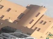 بالفيديو.. طالبات يتجولن فوق حافة سطح إحدى المدارس بالمنطقة #الشرقية