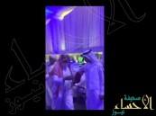 بالفيديو.. طرد محتسبين من معرض جدة للكتاب بعد اعتراضهم على مشاركة شاعرة