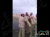 بالفيديو.. شاهد فرحة منسوبي قوات الدفاع الجوي السعودي بعد إسقاط صاروخ حوثي