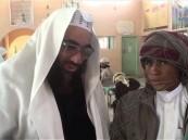 بالفيديو … صدق أو لا تصدق في #الأحساء طالب يقطع 200كم مشياً في الصحراء من أجل المدرسة